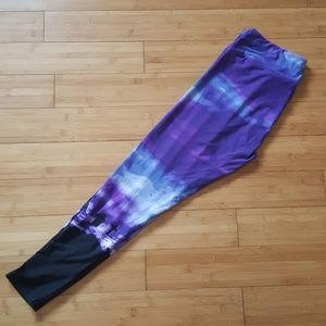 EUC LuLaRoe purple graveyard leggings